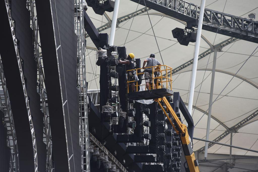 Palco do Festival está sendo montado