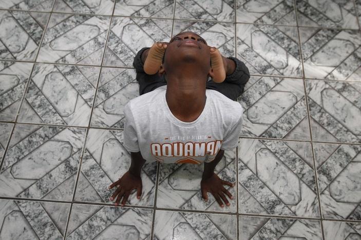 Jonathan foi aprovado e precisa morar em Joinville para estudar