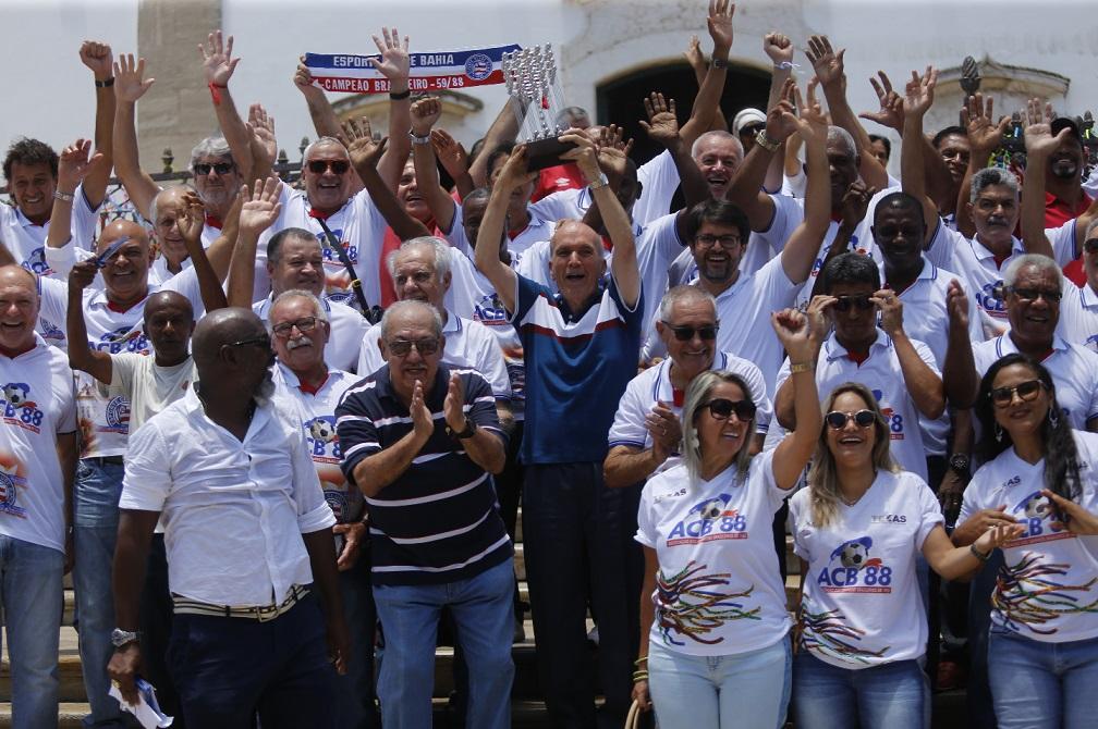Tricolores festejaram o encontro na Igreja do Bonfim