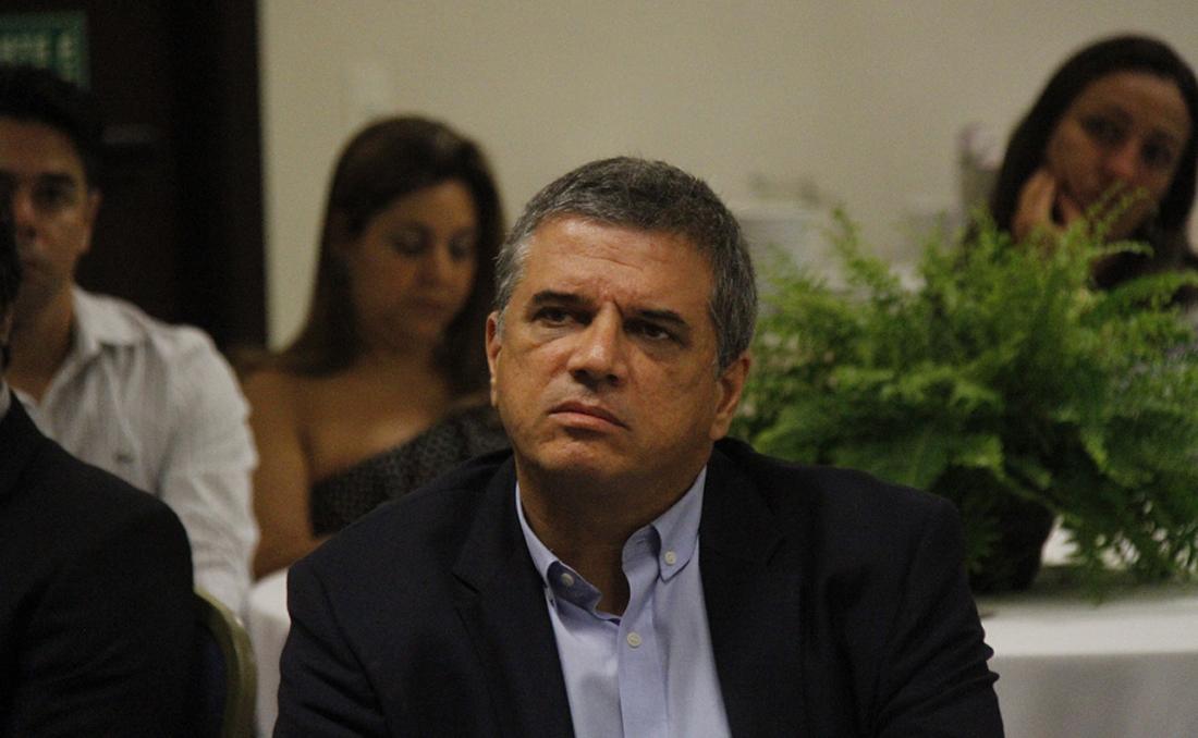 Claudio Carvalho, da Moria