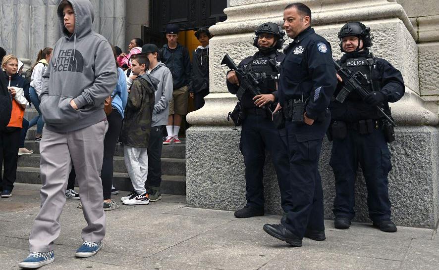 Catedral de São Patrício na 5ª Avenida, em Nova Iorque, onde esta manhã um homem foi preso depois de tentar entrar na igreja com cápsulas de gás.