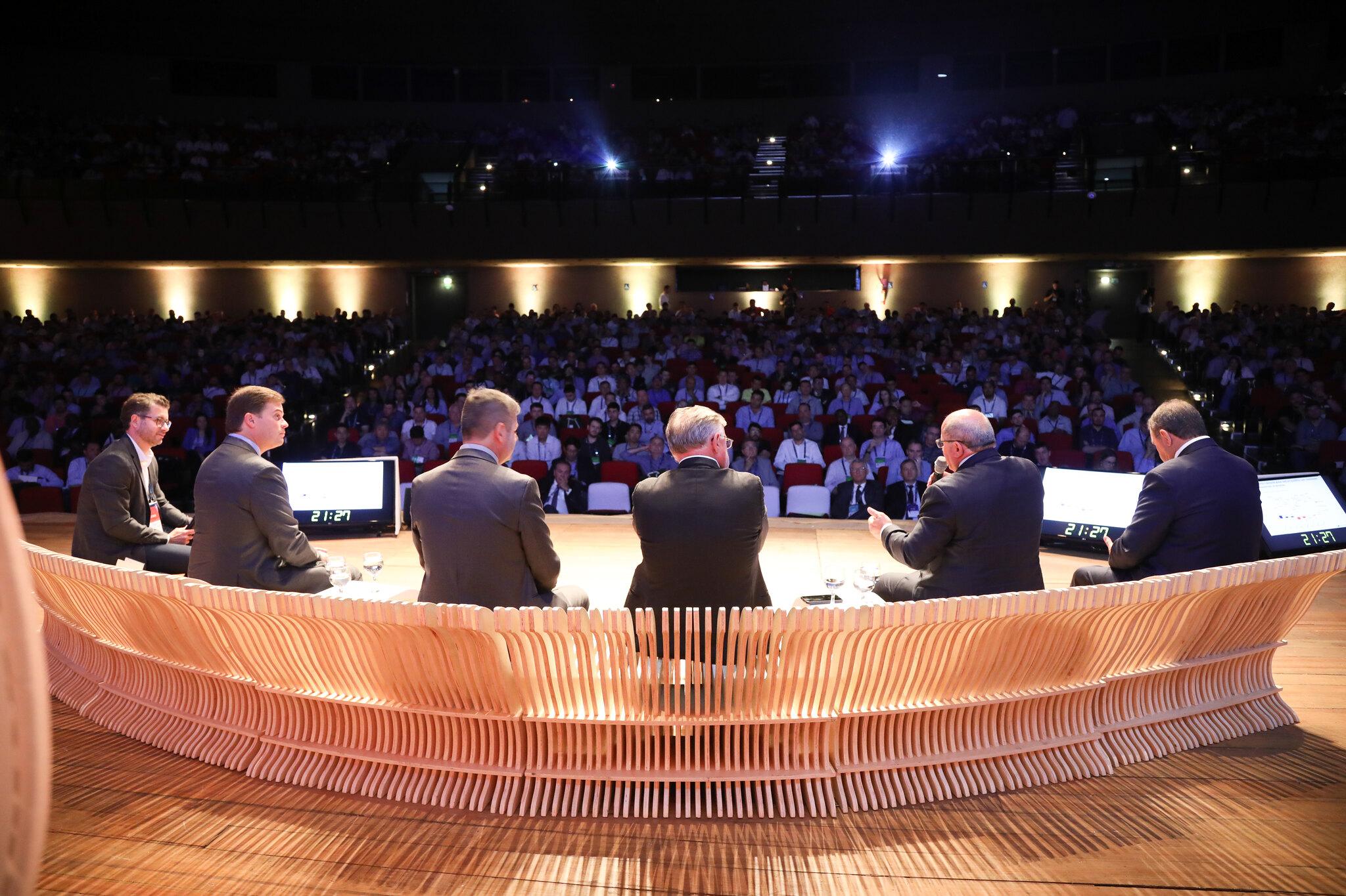 Congresso reuniu em Goiânia produtores rurais e especialistas do Brasil e de outros países.