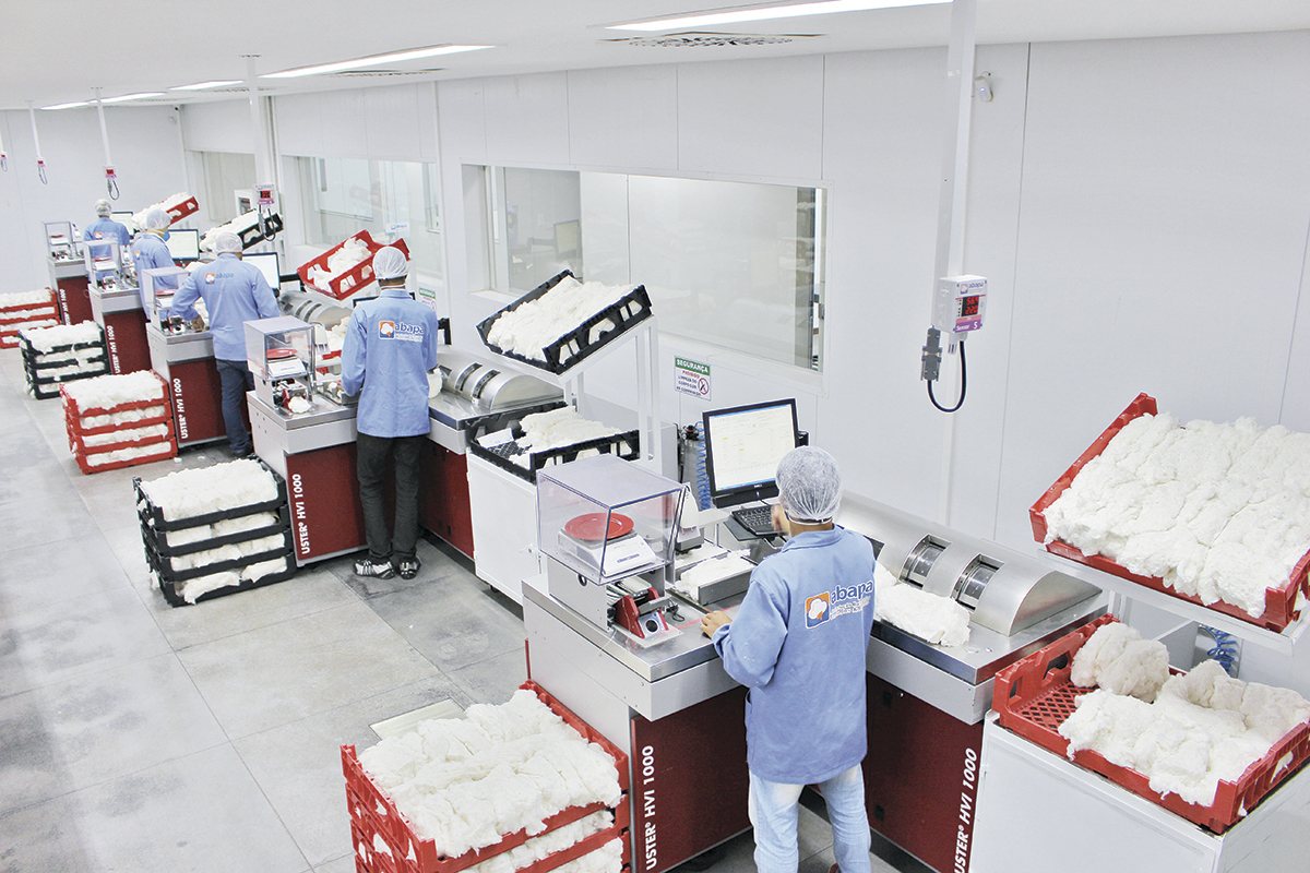Laboratório testa qualidade da produção
