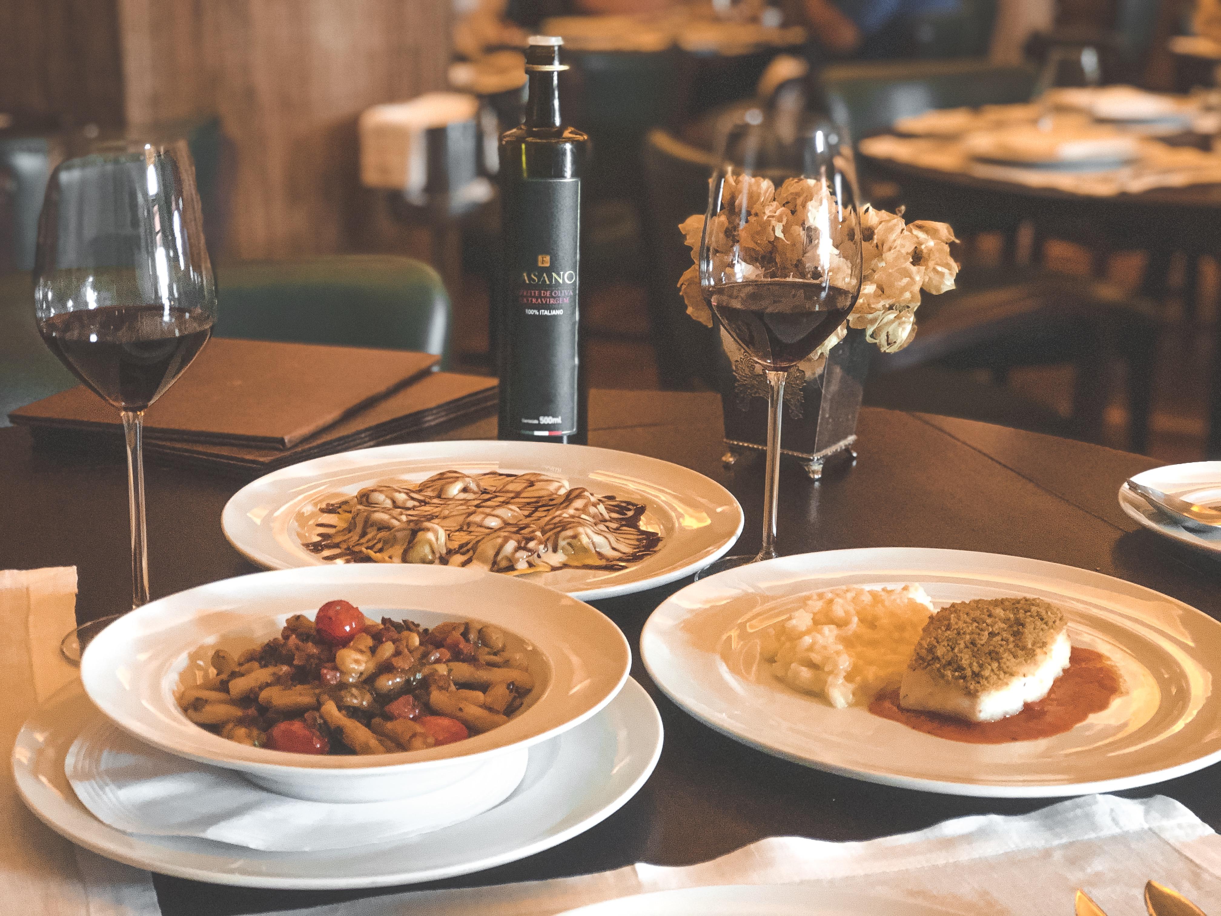 O Chianti Fasano é uma excelente escolha para os pratos com molhos vermelhos mais leves e massas delicadas com recheios mais untosos