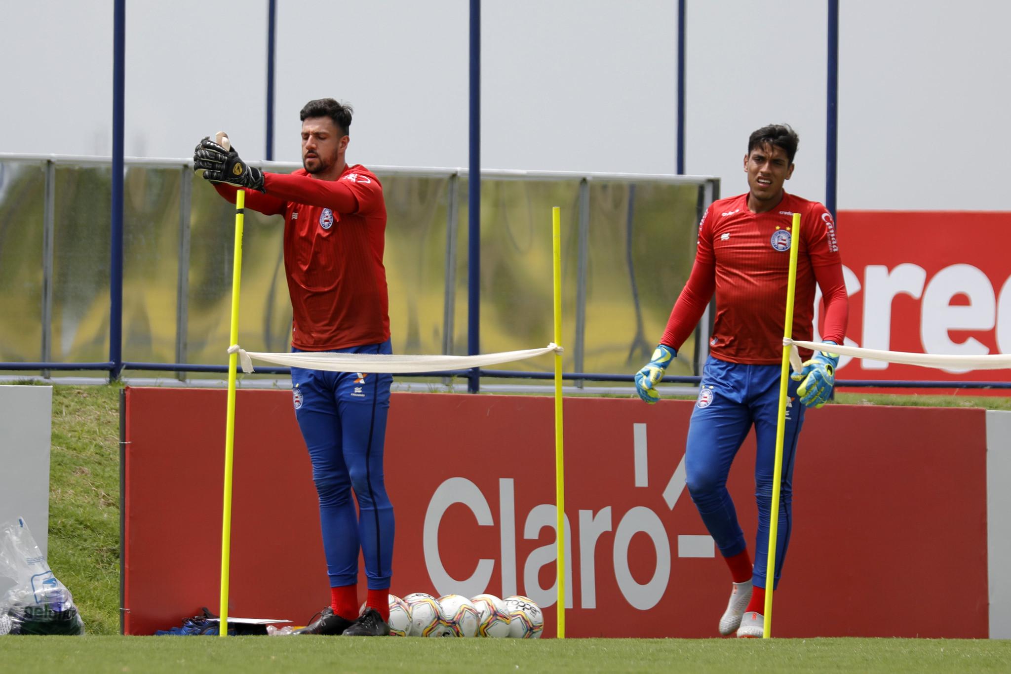 Mateus Claus, ex-Pelotas, e Fernando são os goleiros