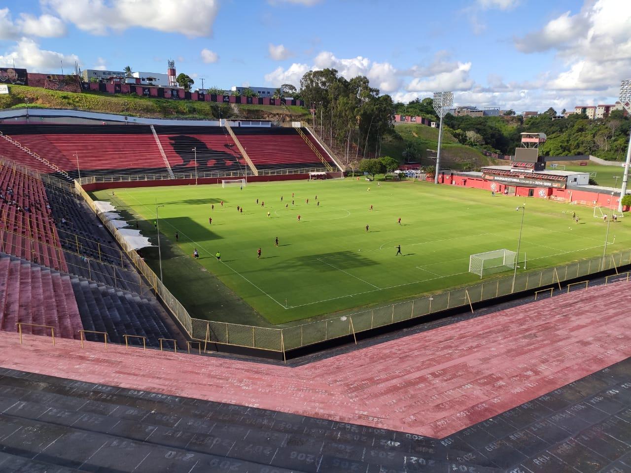Santuário do Vitória, o Barradão foi inaugurado em 1986 e tem capacidade para receber 30.618 torcedores