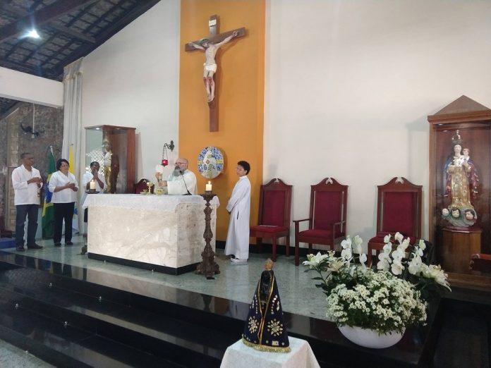 Missa celebrada na Igreja São José, em Amaralina