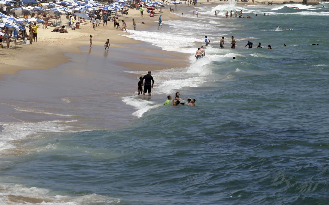 Nova flexibilização na abertura das praias deve começar pelo sábado.