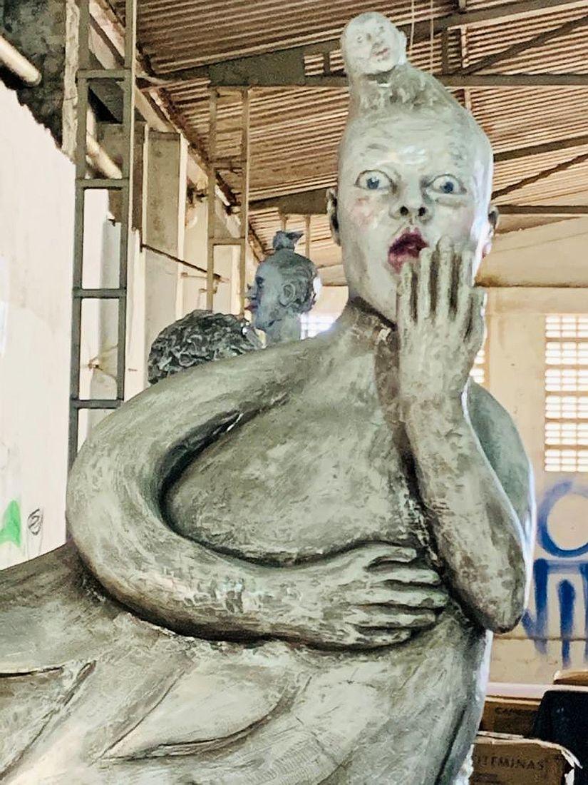 Uma das peças que compõem a série de cinco esculturas de Maternos, de Zuarte