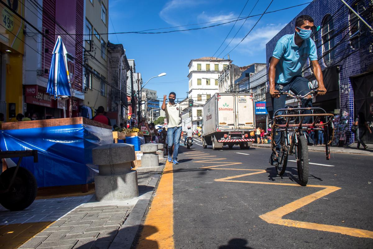 Prefeitura finalizou o trabalho de ordenamento da Avenida Joana Angélica.