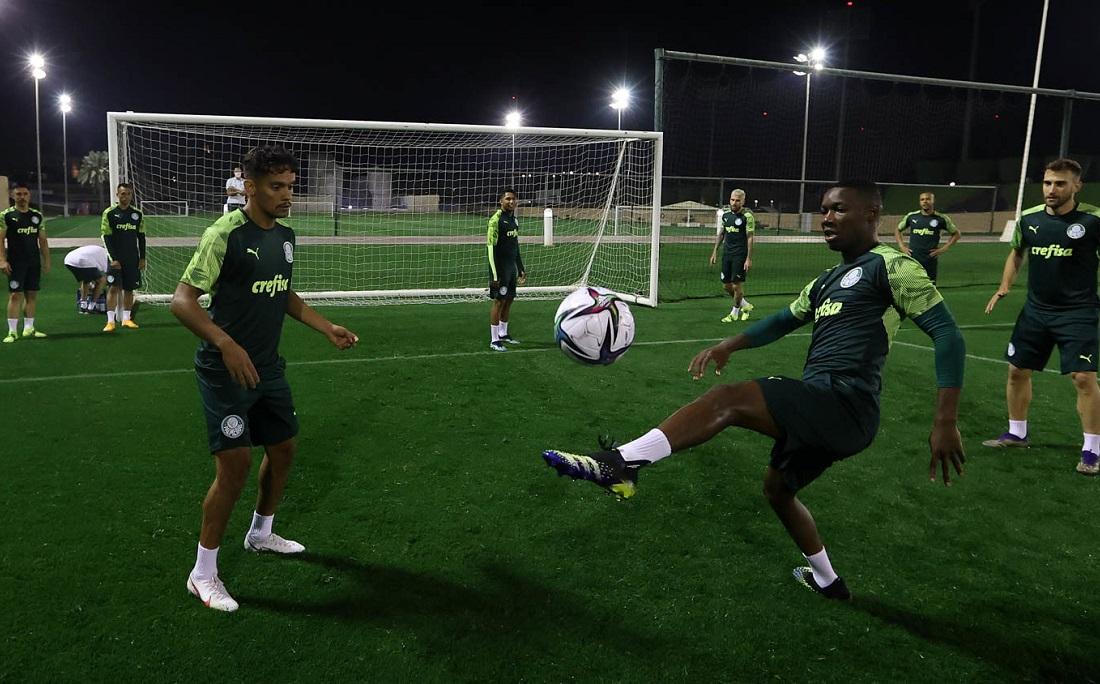 O elenco do Palmeiras teve primeiro dia de treinos para o Mundial nesta quinta-feira (4)