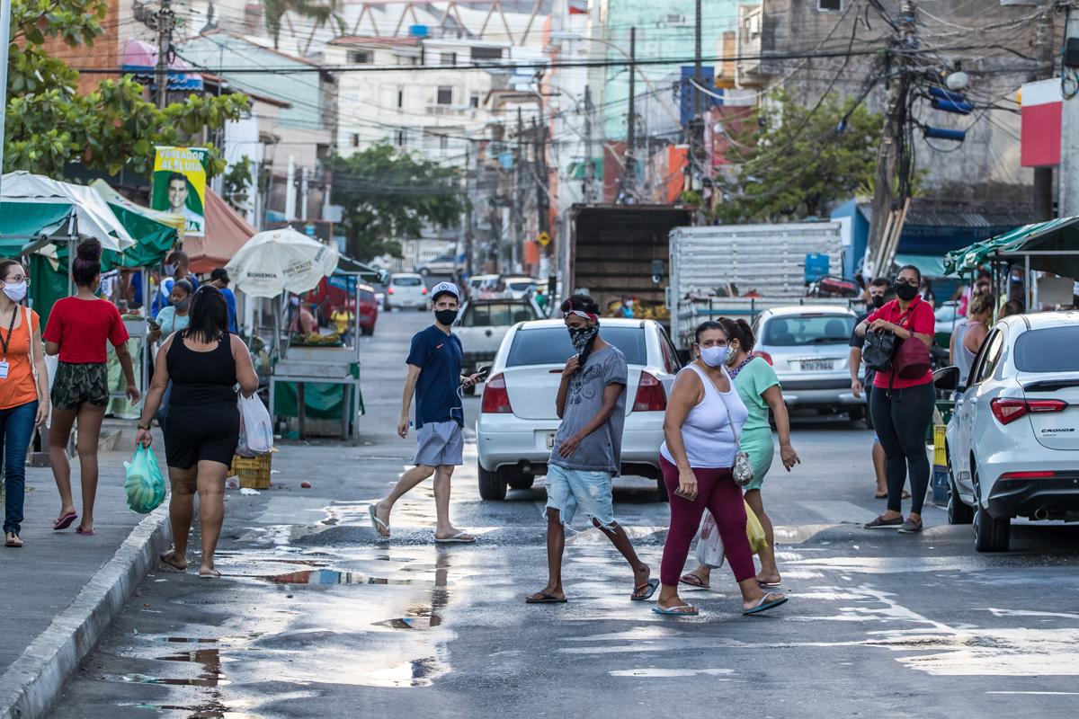 O comércio também fechou mais cedo em toda cidade (Boca do Rio).