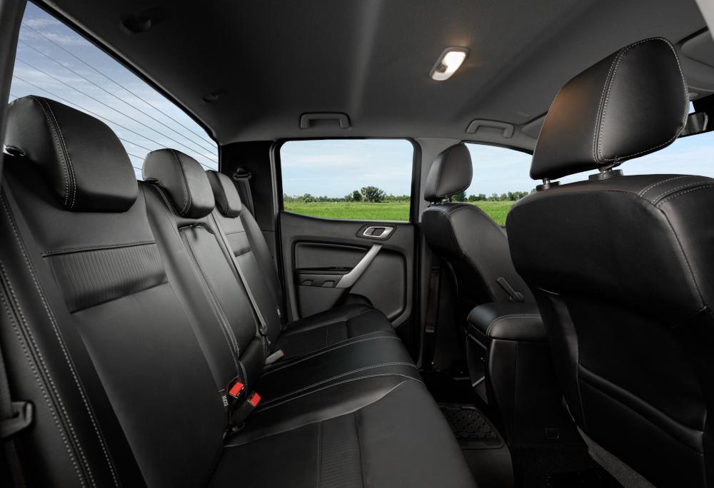 Todas as configurações com cabine dupla contam com sete airbags