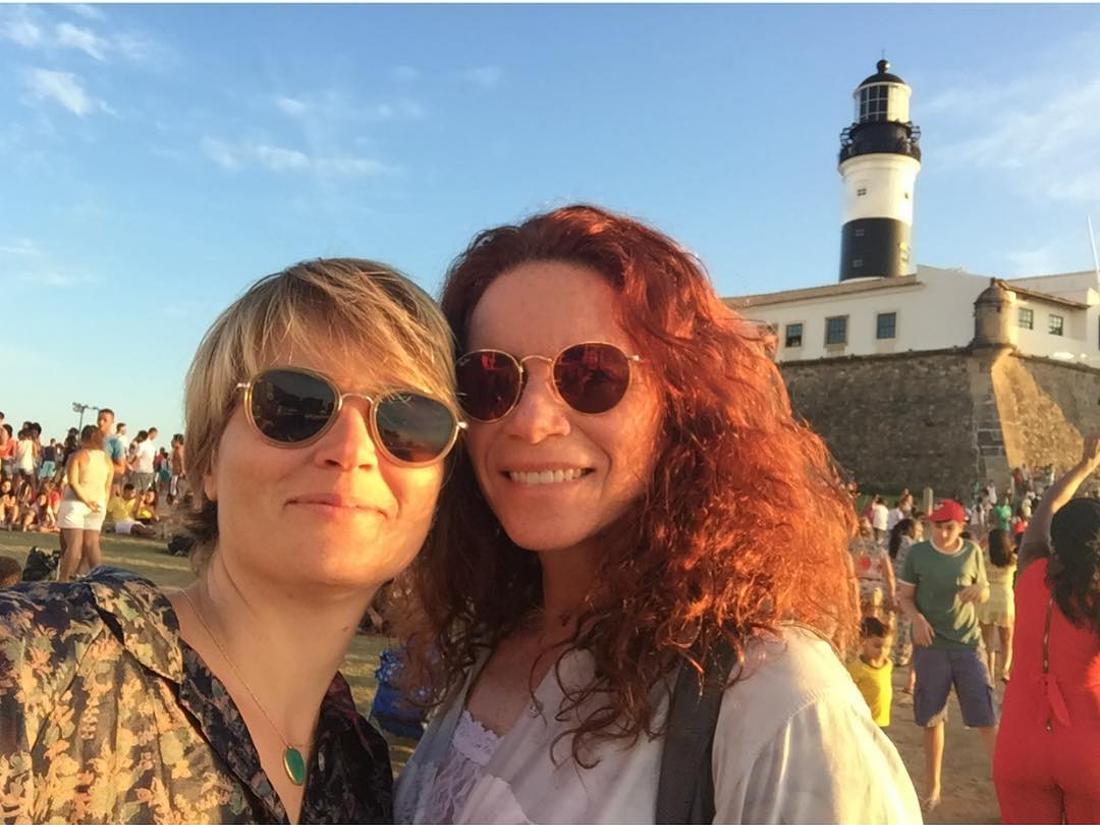 A jornalista Leilane Neubarth e a namorada, Gaia Maria